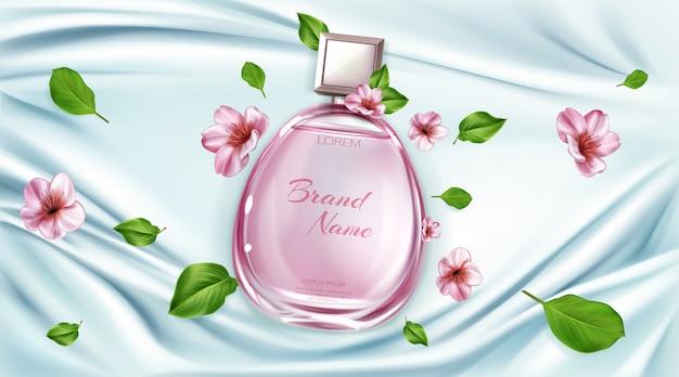 Frasco de perfume com flores de sakura publicidade