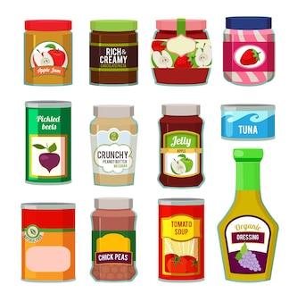 Frascos com frutas enlatadas e outros produtos diferentes.