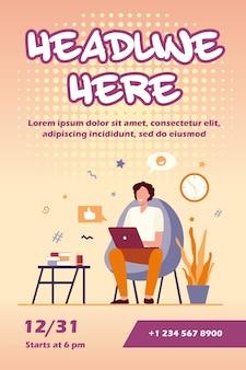 Freelancer feliz com modelo de computador em casa flyer
