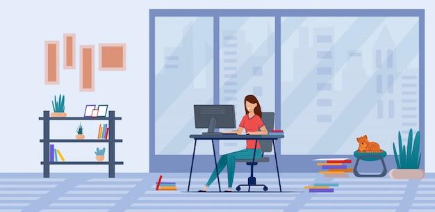 Freelancer trabalha em casa, treinamento on-line, cursos.