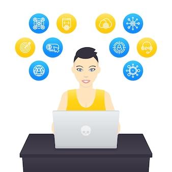 Freelancer trabalhando com laptop, jovem alegre com corte de cabelo curto no trabalho, e-commerce, marketing na internet