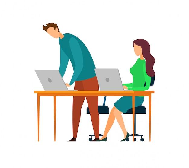 Freelancers usando caracteres de laptops