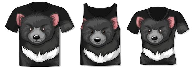 Frente da camiseta com modelo de urso preto