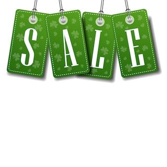 Fronteira de tags de venda verde sobre fundo de modelo com cópia espaço conceito de st patricks day