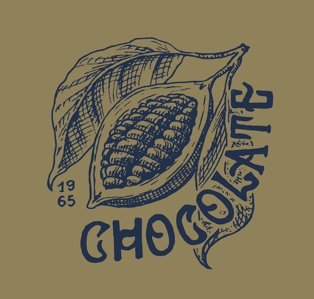 Fruta do cacau. feijões ou grãos. emblema vintage ou logotipo para camisetas, tipografia, loja ou letreiros. esboço gravado desenhado de mão.
