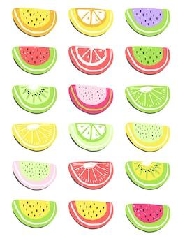 Frutas frescas de verão e desintoxicação de frutas silvestres e smoothies.