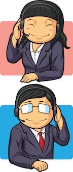 Funcionários da central de atendimento com fones de ouvido