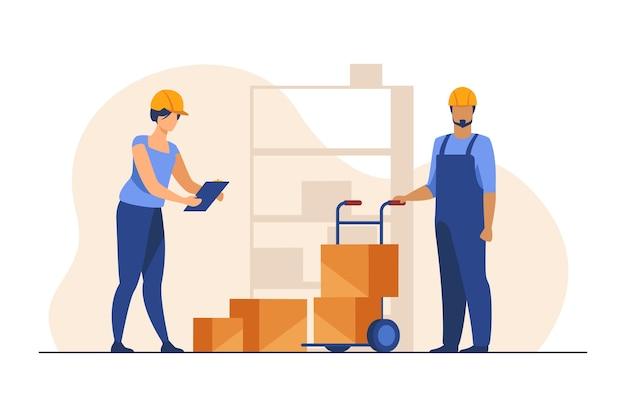 Funcionários do armazém mantendo registros das caixas.
