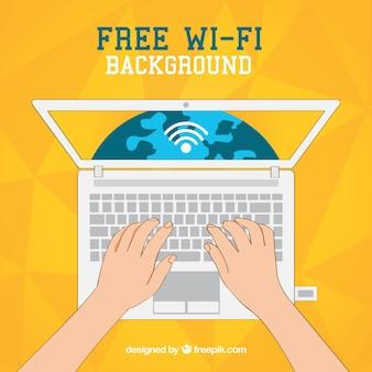 Fundo amarelo do laptop com wifi gratuito
