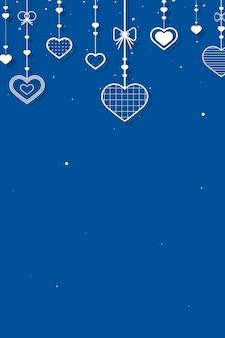 Fundo azul com corações pendurados