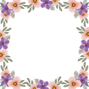 Fundo branco com borda de flores roxas e laranja