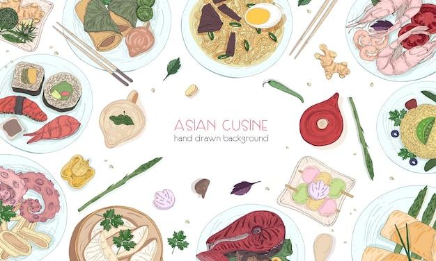 Fundo colorido elegante desenhado à mão com comida tradicional asiática, refeições saborosas detalhadas e lanches da cozinha oriental - macarrão wok, sashimi, gyoza, peixes e pratos de frutos do mar