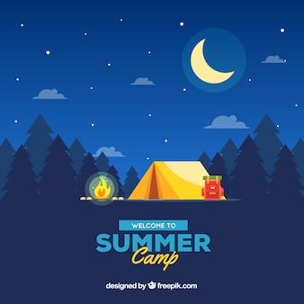 Fundo de acampamento de verão com a bela paisagem à noite