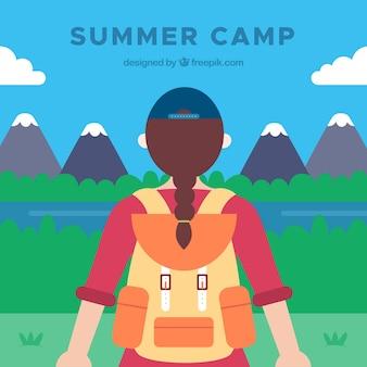 Fundo de acampamento de verão com garota olhando a paisagem