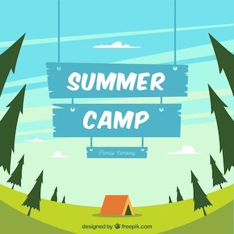 Fundo de acampamento de verão com placa de madeira azul