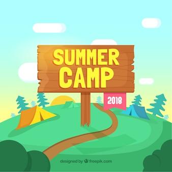 Fundo de acampamento de verão com placa de madeira