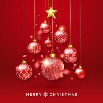 Fundo de árvore de natal com fitas brilhantes, estrelas e bolas coloridas