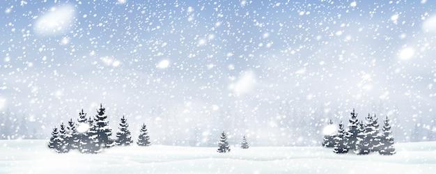 Fundo de árvore de natal de inverno natural com céu azul, forte queda de neve, flocos de neve em diferentes formas e formas, nevascas. paisagem do inverno com queda de natal brilhante neve linda.