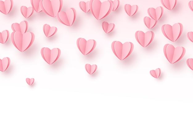 Fundo de coração com corações de corte de papel rosa claro.
