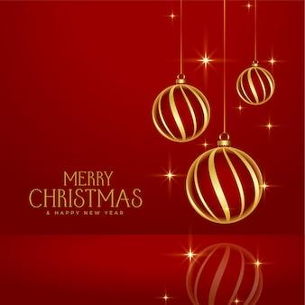 Fundo de enfeites dourados de feliz natal vermelho brilhante