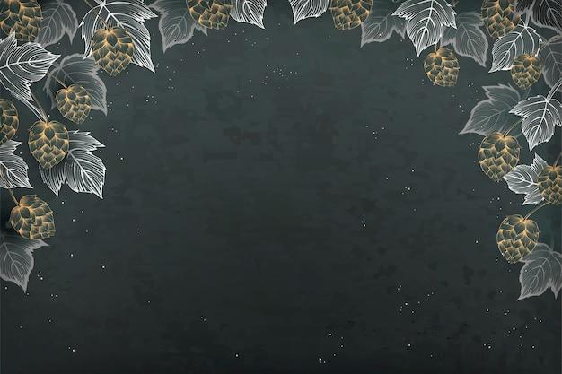 Fundo de estilo retro de gravura, lúpulo decorativo e folhas no fundo do quadro-negro