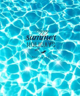 Fundo de férias de verão com linda água do mar.