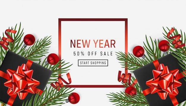 Fundo de férias feliz ano novo. cartaz de venda, design de natal com objetos festivos realistas, ramos de pinheiro e abeto, bugiganga bolas