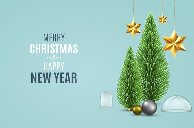 Fundo de natal com pinheiro de natal, pendurando estrelas douradas, bolas e frascos de neve transparente vazio.