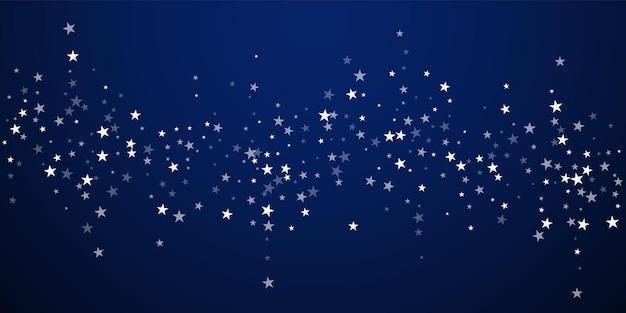 Fundo de natal de estrelas cadentes aleatórias. flocos de neve voando sutis e estrelas sobre fundo azul escuro à noite. modelo de sobreposição de floco de neve prata inverno atraente. bela ilustração vetorial.