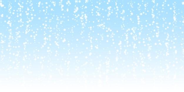 Fundo de natal linda neve caindo. flocos de neve voando sutis e estrelas no fundo do céu noturno. modelo de sobreposição de floco de neve de prata de inverno admirável. ilustração em vetor imaginativa.