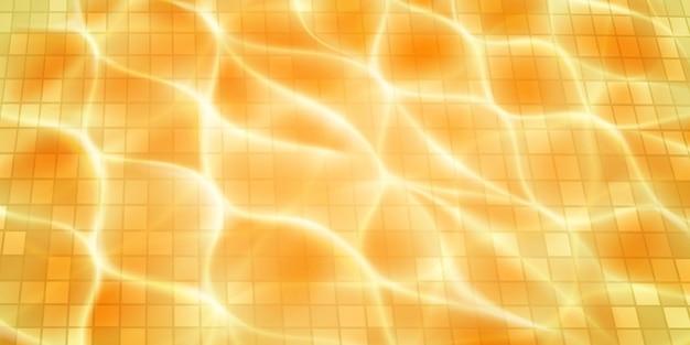 Fundo de piscina com mosaicos, reflexos de luz solar e ondulações cáusticas. vista superior da superfície da água. em cores amarelas