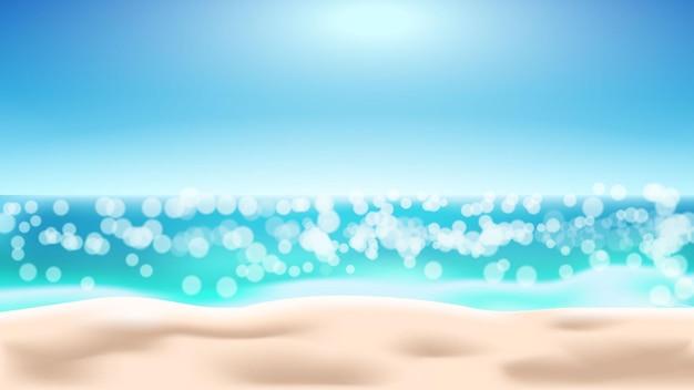 Fundo de praia de verão com desfoque de mar e dia ensolarado