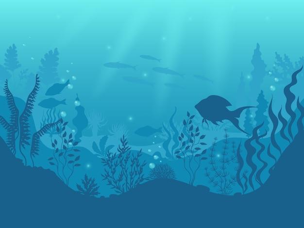 Fundo de silhueta subaquática. cena submarina de recife de coral, peixes do oceano e algas marinhas, raios de sol debaixo d'água