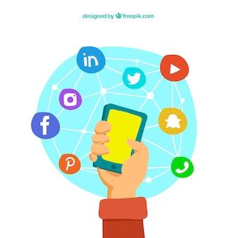Fundo desenhado mão com o telefone móvel cercado por rede ícones sociais