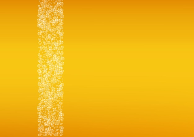 Fundo do festival de cerveja com bolhas realistas. bebida fresca para design de menu de restaurante, banners e folhetos. fundo amarelo do fest da cerveja horizontal em espuma. um litro de cerveja ou cerveja dourada.