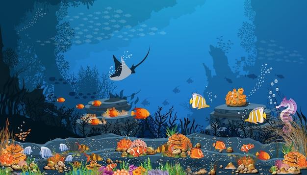Fundo do mar escuro com peixes e recifes de corais na areia preta.