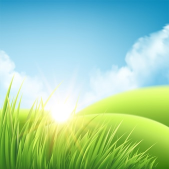 Fundo do nascer do sol da natureza do verão, uma paisagem com colinas verdes e prados, céu azul e nuvens.