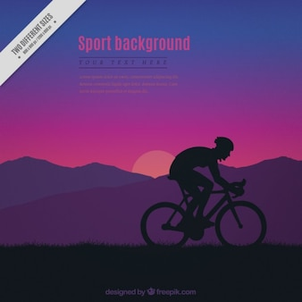 Fundo do sol com uma silhueta ciclista