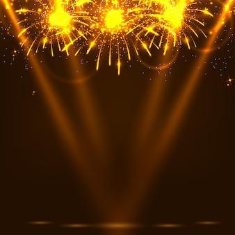 Fundo escuro festivo com fogos de artifício e raios de holofotes.
