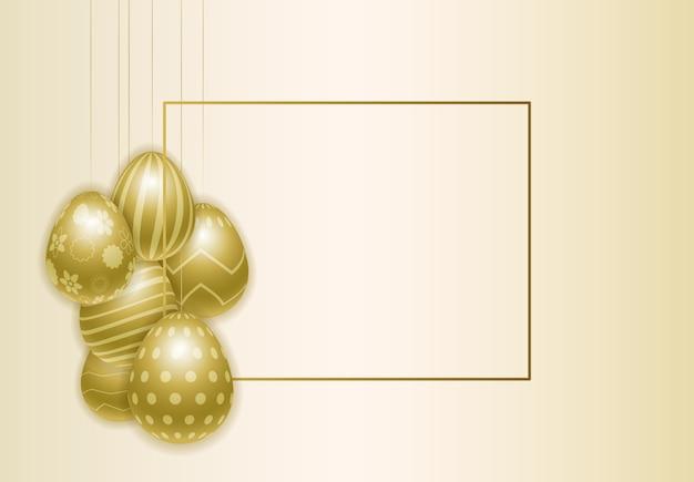 Fundo feliz da páscoa com os ovos dourados pintados realísticos.