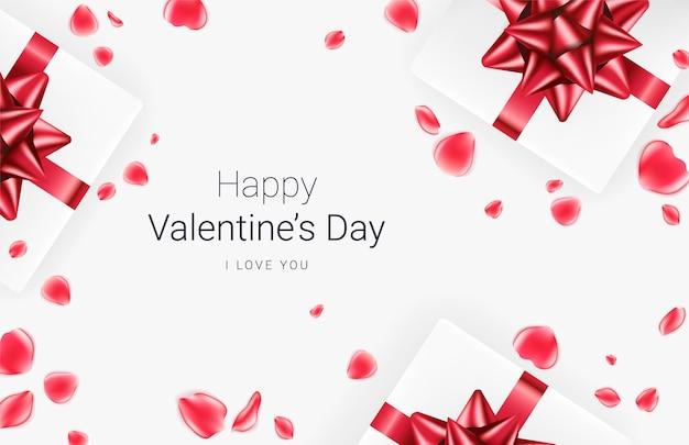 Fundo festivo do dia dos namorados. caixas de presente realistas com laço vermelho e pétalas de rosa vermelhas em fundo cinza. .