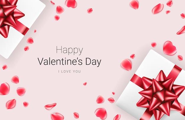 Fundo festivo do dia dos namorados. caixas de presente realistas com laço vermelho e pétalas de rosa vermelhas no fundo. .