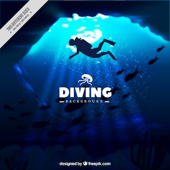 Fundo marinho profundo com a silhueta do mergulhador