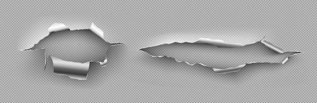 Furos de metal com bordas encaracoladas, rachaduras irregulares, danos causados na chapa de aço.