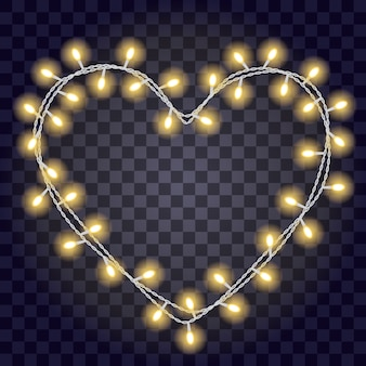 Garland em forma de forma de coração com brilhantes luzes amarelas, isoladas no fundo transparente violeta escuro.