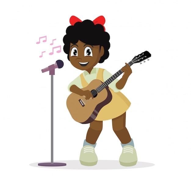 Garota africana tocando guitarra e cantando.
