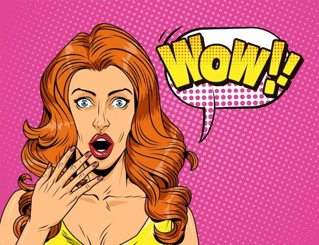 Garota atraente surpresa em quadrinhos sobre fundo de meio-tom