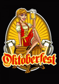 Garota feliz da oktoberfest, apresentando a cerveja