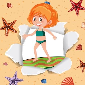 Garota feliz na praia