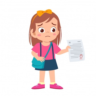Garota garoto triste tem nota ruim do exame